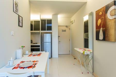 *MODERN HOME* 1BR Damansara Std - Byt