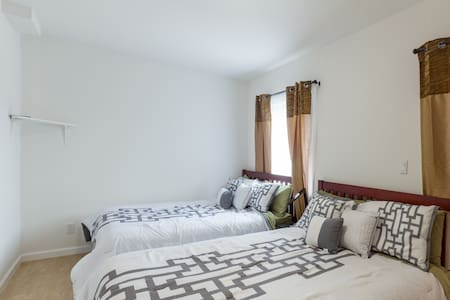 SLEEPS 12,PARKING,BEST LOCATION EVR - San Francisco - Wohnung