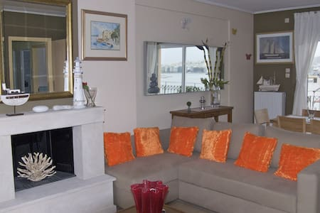 Luxury 3-bdrm Apt with Sea View in Athens-Piraeus - Piraeus - Appartement