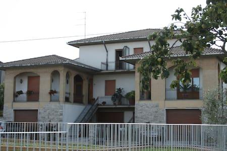 appartamento con giardino condominiale a Gracciano - Appartement
