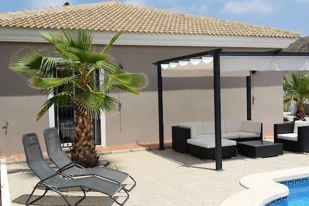 Villa El Paradiso (Andalusië) - Vila