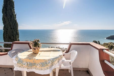 Charming sea view cottage in Gaeta