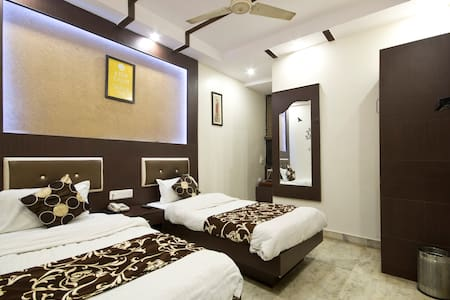 Superior Single AC With Breakfast - New Delhi - Bed & Breakfast