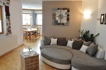 Superb 3 Bedrooms Apartment - Flat