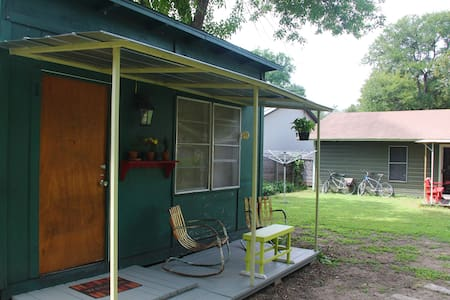Centrally Located Private Cottage