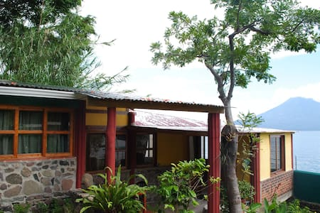 Beach house by Lake Atitlan  - Santa Cruz la Laguna - Casa