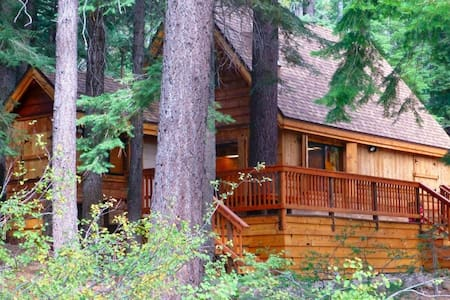 Three Bears Cabin, 2+1, Hot Tub - Casa