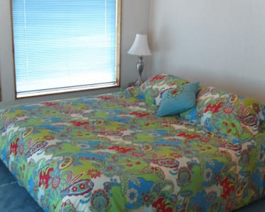 Missoula mountain retreat, king bed - Missoula - Bed & Breakfast
