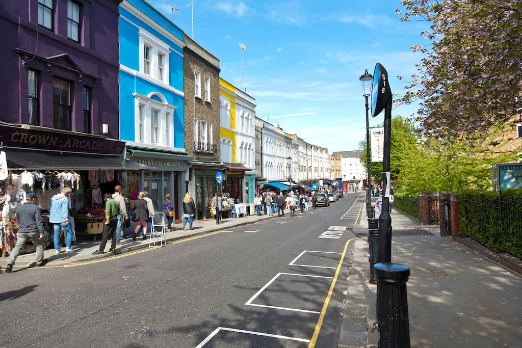 The Portobello Road: the famous London icon, right on your doorstep