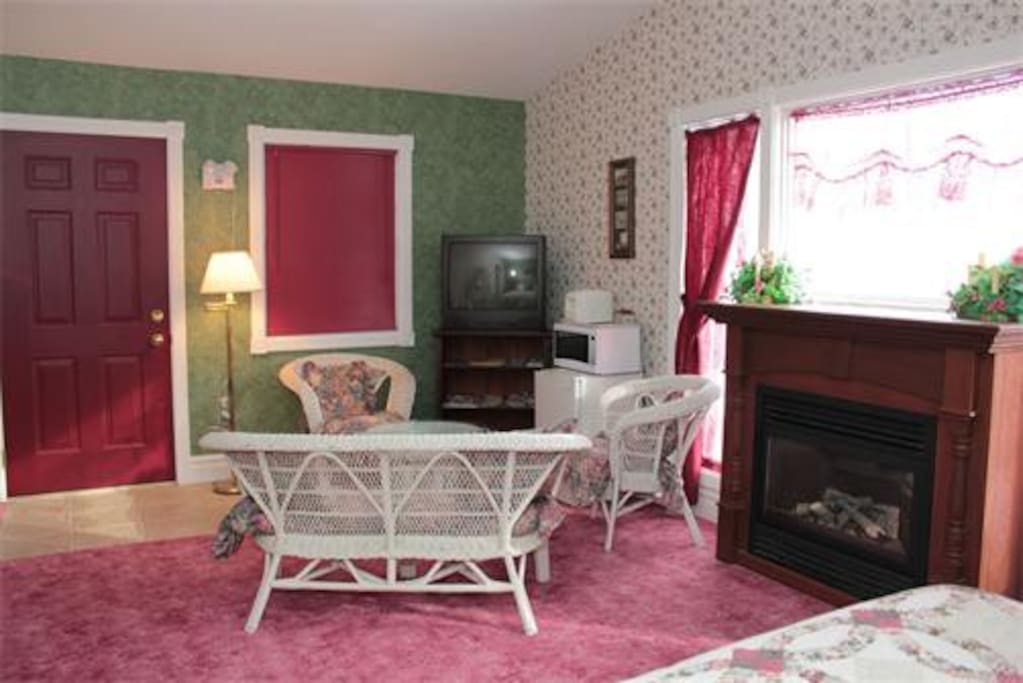 Parents can have a Romantic Getaway with the Children sleeping in the adjoining room.