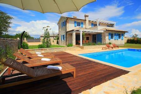 Villa Prima, Private Pool and Sauna - Villa