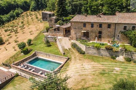 View on the Celsa castle - Sovicille - Villa