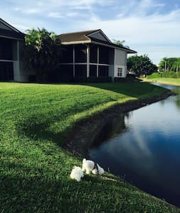 GREAT APARTMENT THAT FEELS LIKE A SINGLE HOME. - Boca Raton - Apartament