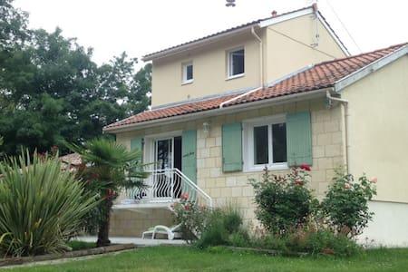 Maison à proximité de Bordeaux - Huis
