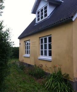 Hus - House