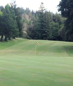Vacation Golf Villa among the Santa Cruz Redwoods - Villa