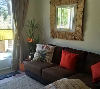 Aloe Cottage - Cozy and Charming! - Guesthouse
