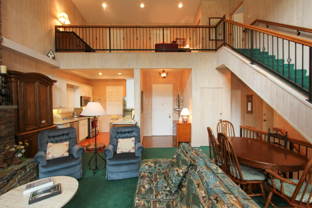 Riverfront Chalet! On the river, next to the golf course!