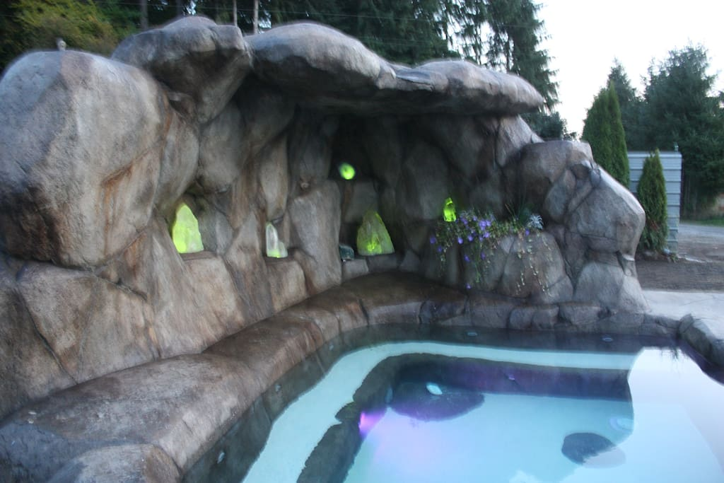 The hot-tub alcove has crystals that are illuminated by fiber-optics.