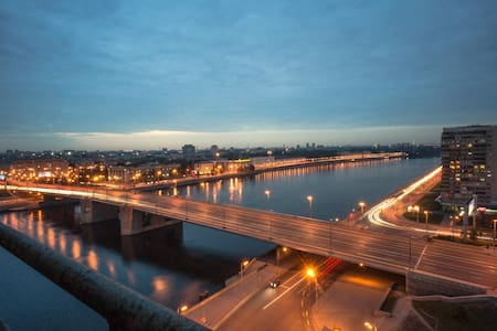 Panoramic apt on the Neva banks