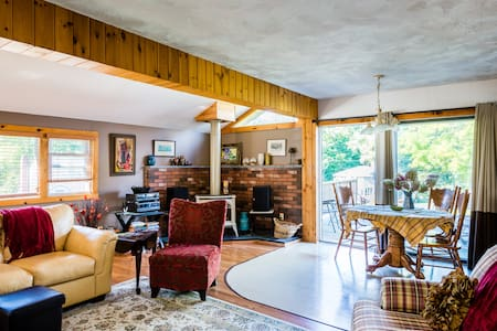 Cozy Stay For Berkshire Foliage! - Casa
