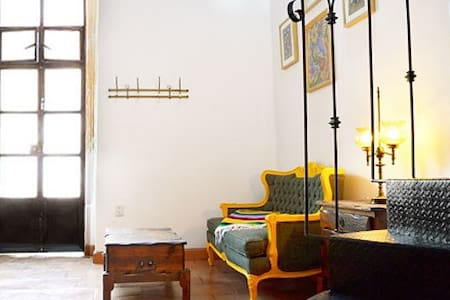 CENTRO: Unique Studio-Loft w/Rooftop Terrace - House