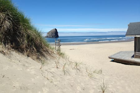 Ocean Front House - Gorgeous Views! - Pacific City - 獨棟