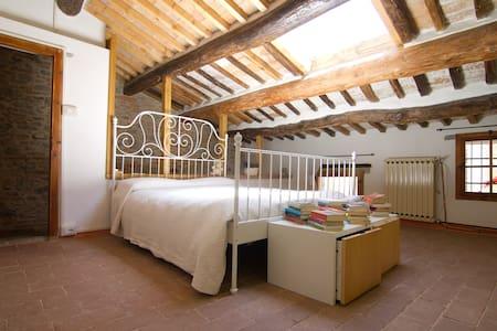 Casa Sassi: tipica casa toscana - House