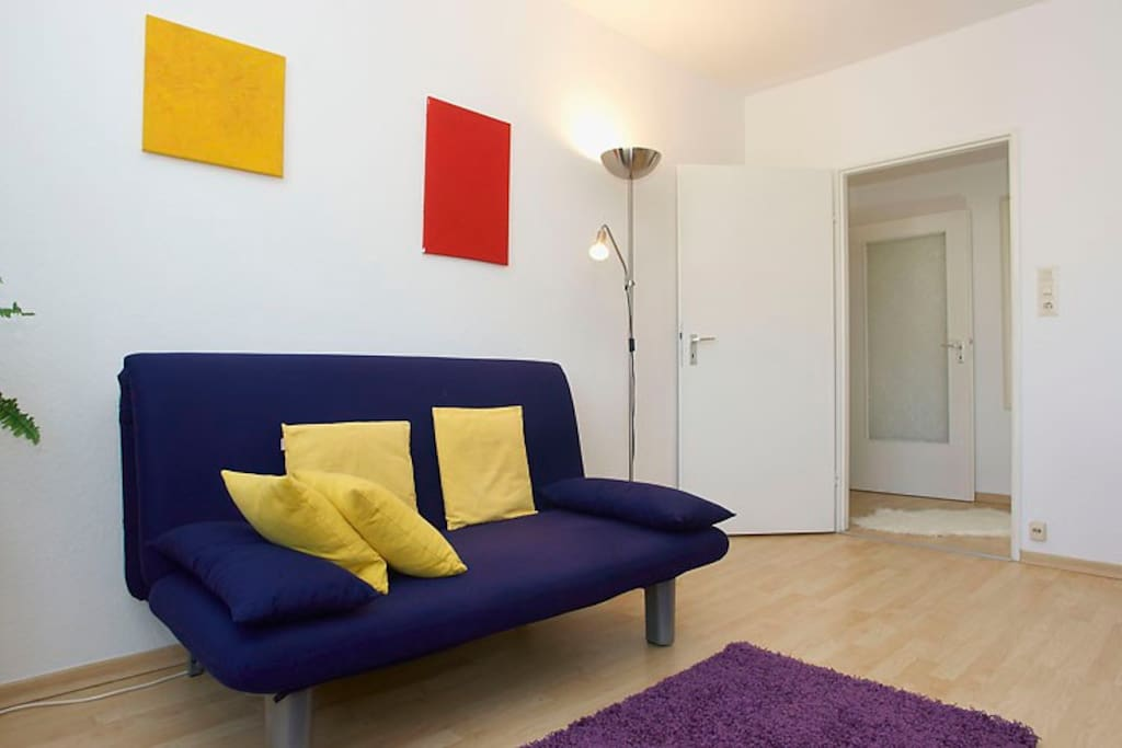 (003) Friendly central 2-room apt.