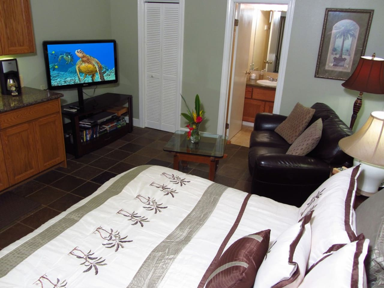 Beachcomber king bed with pillow top mattress and Egyptian cotton linens.  Large screen HDTV.
