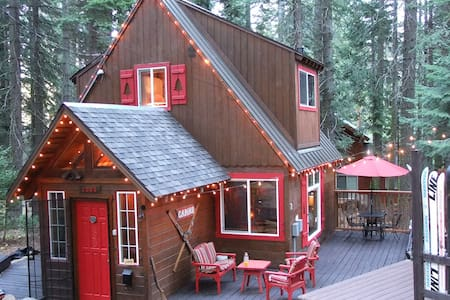 **AVAILABLE FOR 2016 SKI LEASE** A classic Tahoe cabin with plenty of privacy, character, and charm.