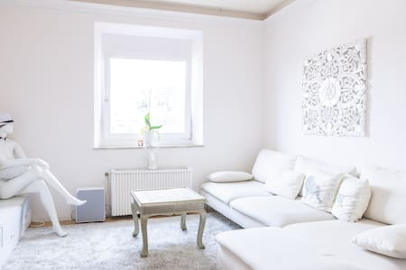 nice quiet room very central.  - Apartment