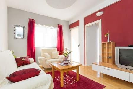 Apartment Jelica - nice place close to everywere - Kaštel Štafilić - Appartamento