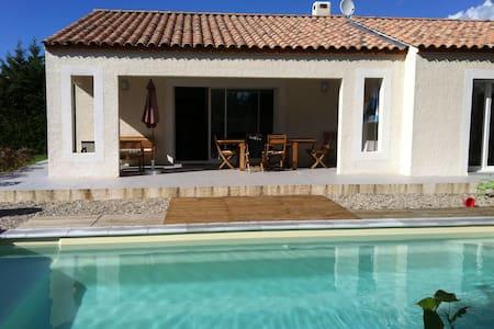 Villa neuve avec piscine au sel - Sainte-Croix-de-Quintillargues
