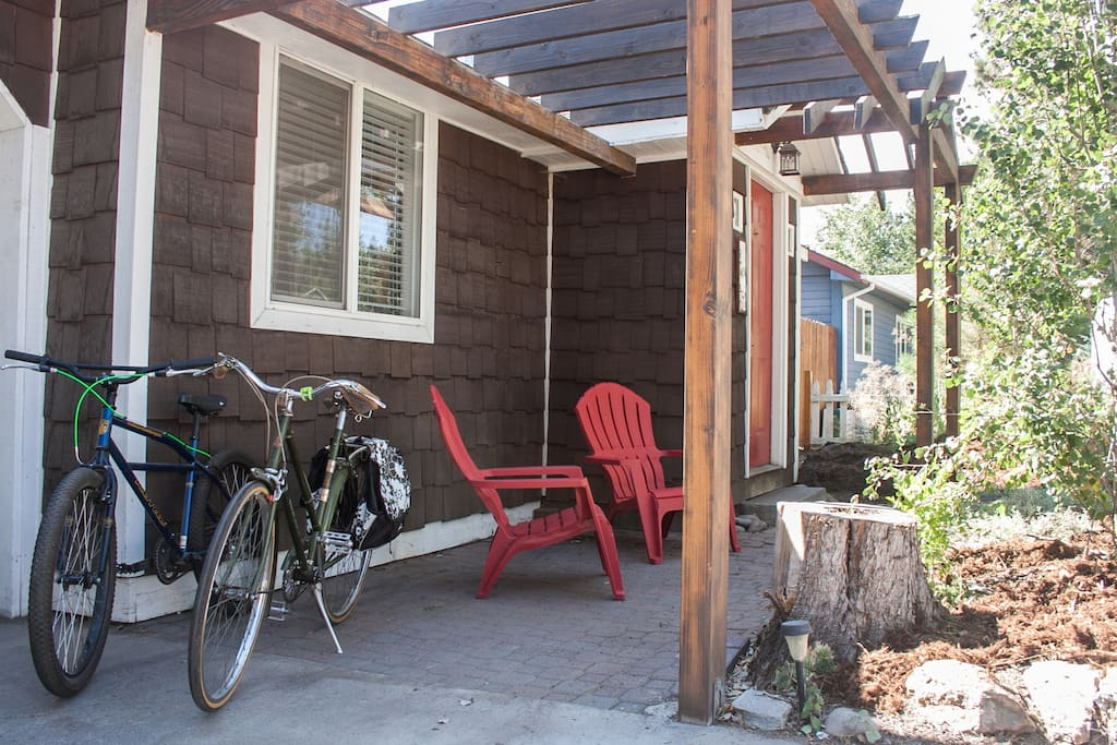 Now with 3 bikes! Walk or roll to downtown Bend or just about anywhere on the westside of Bend!