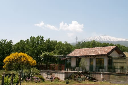 Little House - mount Etna - Sicily - Haus