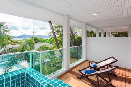 1-Bed Loft Oceanview Beach Retreat - Appartamento
