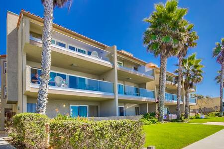 Seabreeze #2-On the beach! - Carlsbad - Apartment
