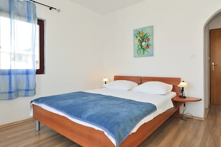 Boarding house Gea,10m from beach - Pag - Bed & Breakfast