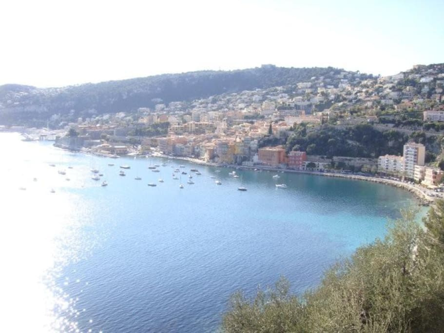 villefranche is a 5min drive away