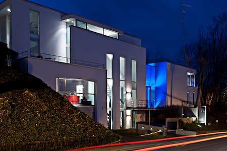 Luxury accomodation in design house - Villa