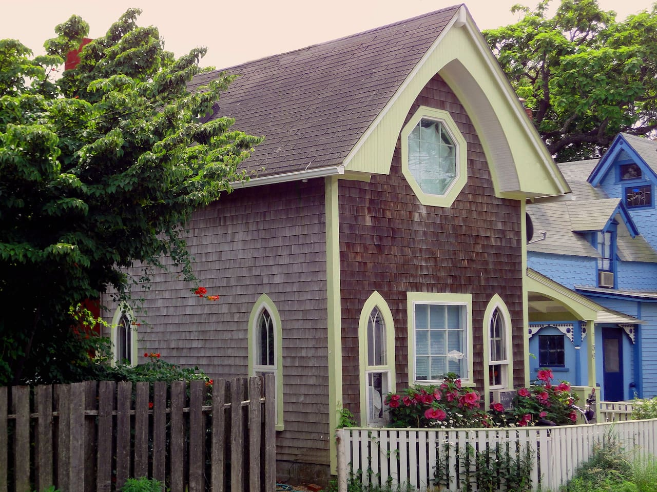 In-Town, By Beach Impeccably Renovated Historic Cottage with Gardens, Patio, and Proximity to All Oak Bluffs Wonders. Ruby Glass Arched Windows.