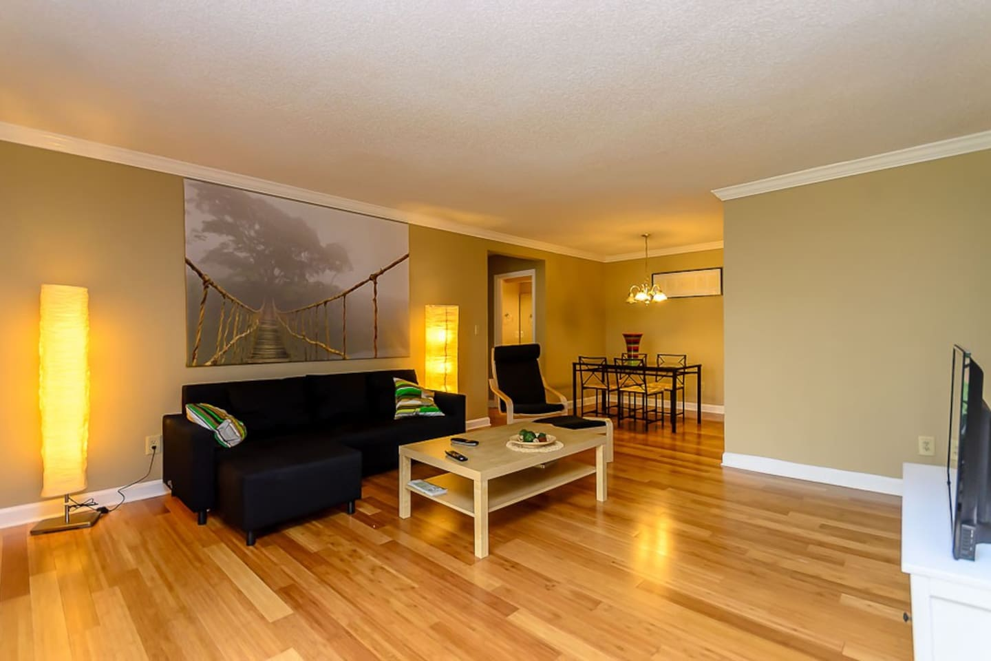 Stunning and cozy living rom with hardwood floors