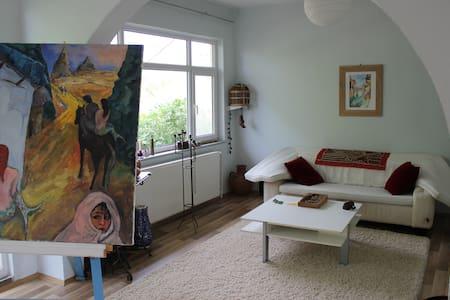Großes Landhaus mit 2 Etagen mit je drei Zimmern - Koko kerros