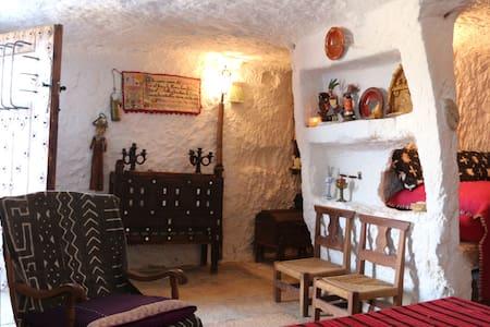 Cueva del Tragaluz - Grot