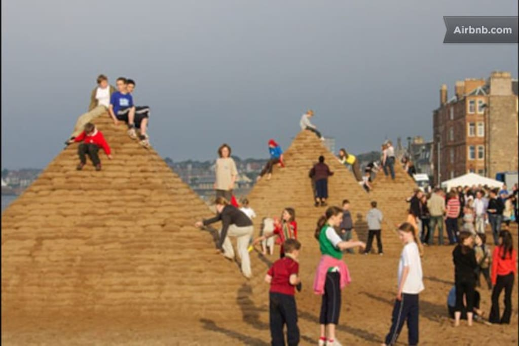 No, not sandcastles but sand pyramids on Portobello beach in 2007! A project of big things on the beach