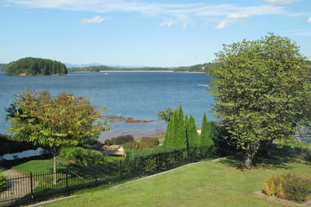 Beautiful Lake Keowee 7 minutes to Clemson UN - Seneca - House