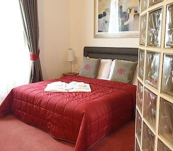 Luxury Room / Double - Bed & Breakfast