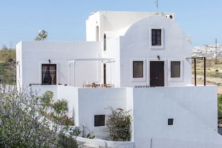 Three-storied villa for 10 or less - Monolithos - Hus