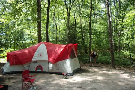 Camping Odessy sleeps up to 10 - Tent